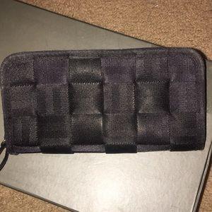 Harvey's wallet
